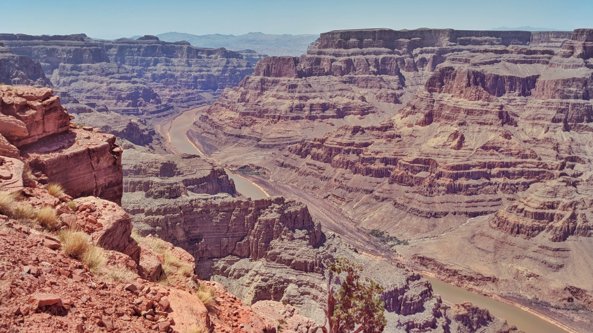 Travel Tuesdays: Traveling from Las Vegas to Grand Canyon West